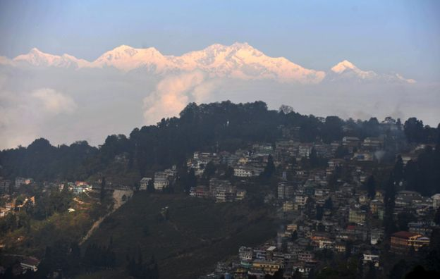 Kangchenjunga dominates the skyline above Darjeeling