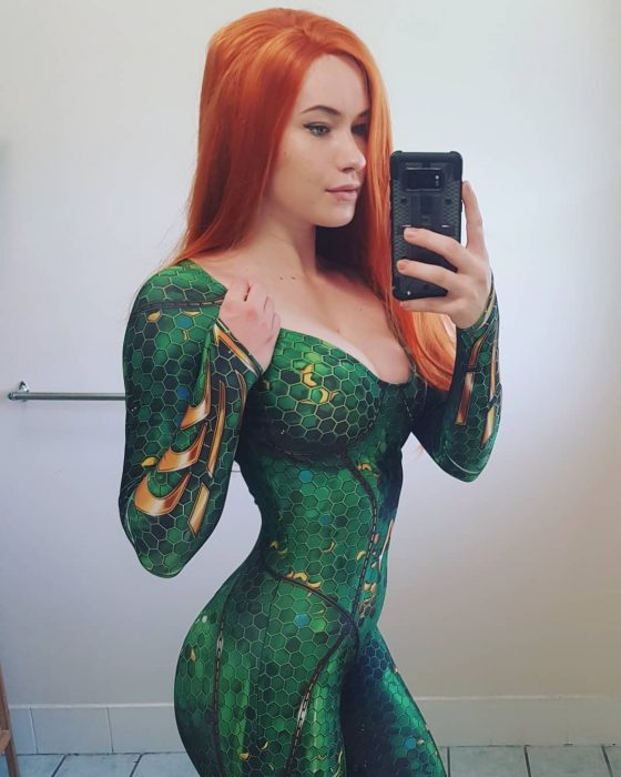 Sexy Cosplayer