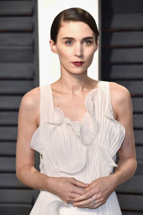 BEVERLY HILLS, CA - FEBRUARY 26: Actor Rooney Mara attends the 2017 Vanity Fair Oscar Party hosted by Graydon Carter at Wallis Annenberg Center for the Performing Arts on February 26, 2017 in Beverly Hills, California.   Pascal Le Segretain/Getty Images/AFP