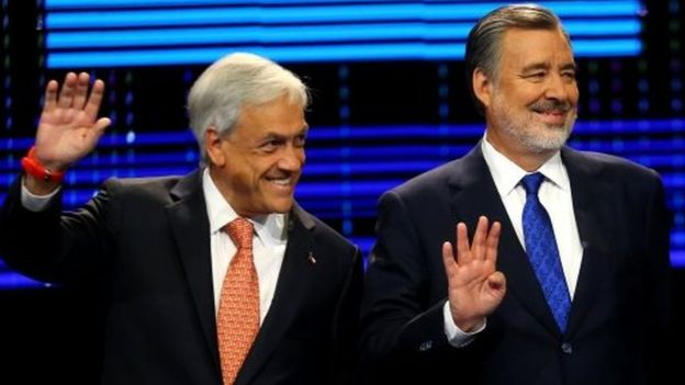 Sebastián Piñera (left) and Alejandro Guillier during a televised debate in Santiago, Chile. Photo: 6 November 2017