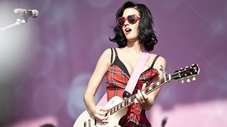 katy perry guitarra