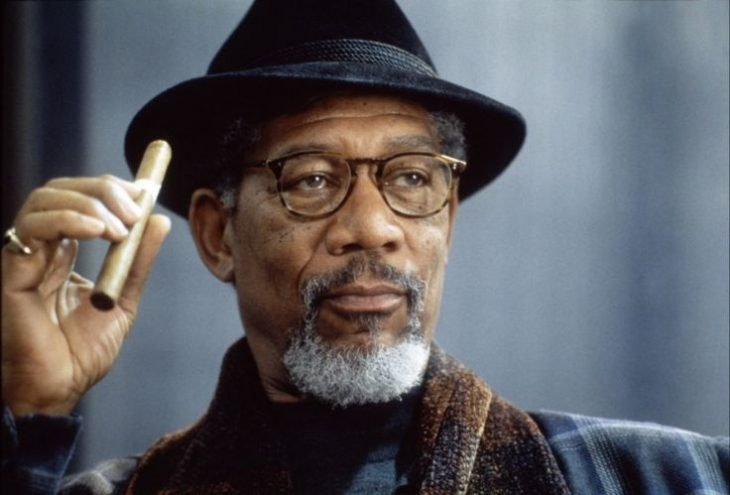 Morgan Freeman con puro