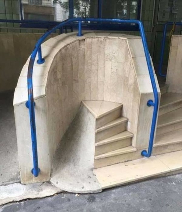 Arquitectos fail escalera