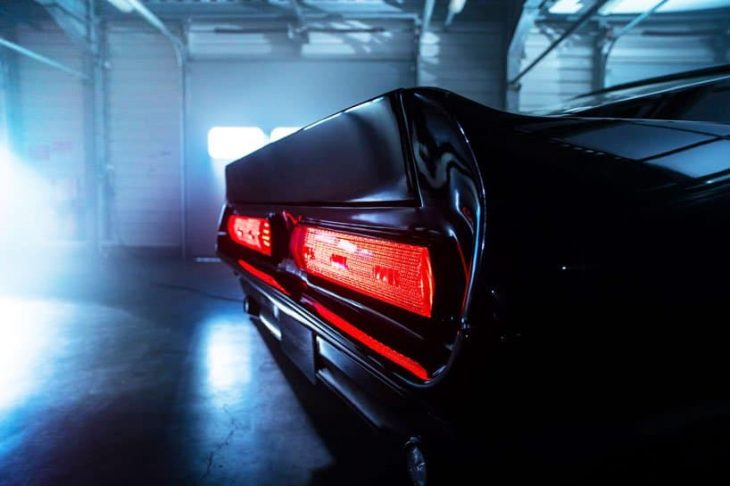 Mustang Charge luces